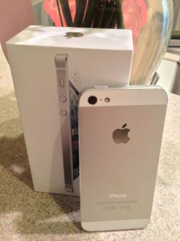 Iphone 5 brand new' factory unlocked