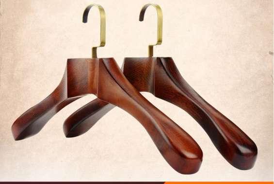 Plastic hangers online